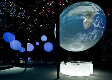 3d-projection-mapping-globe