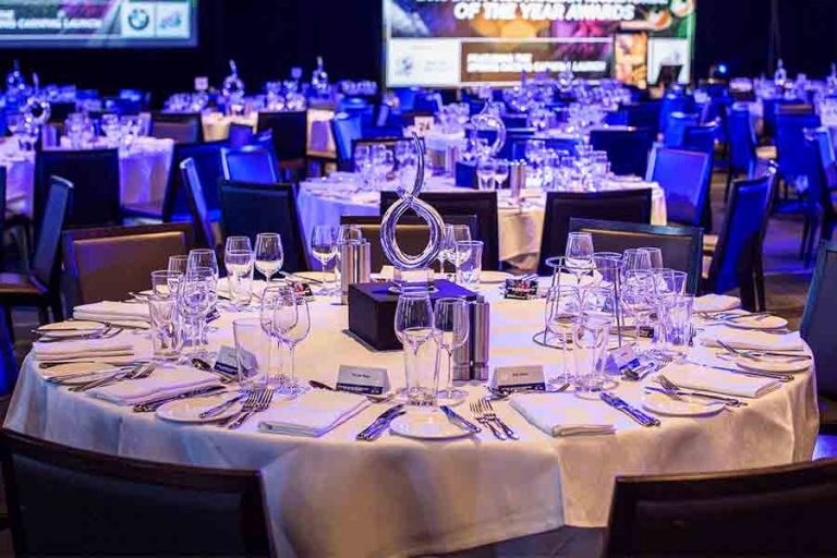 conference-centrepieces-table-styling