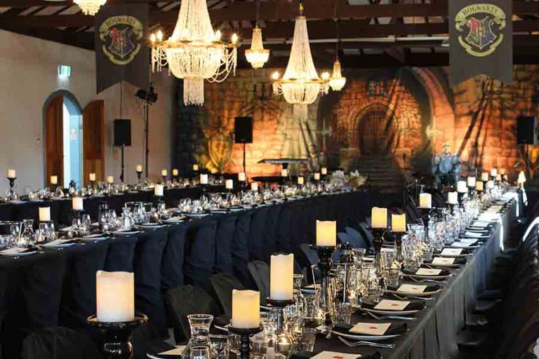 hogwarts-harry-potter-themed-centrepieces-table-styling