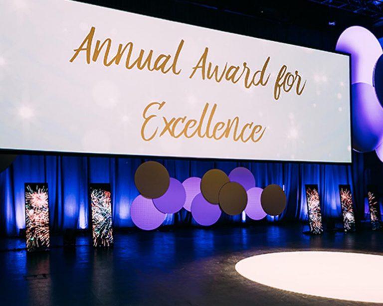 LED-Pixel-Totems_0001_pixel totems awards night